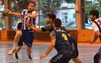 EL OAR CORUÑA vence al XIRIA 30-27, en un partido con balonmano de calidad.